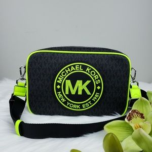 🌺NWT Michael Kors Fulton crossbody bag Black Neon